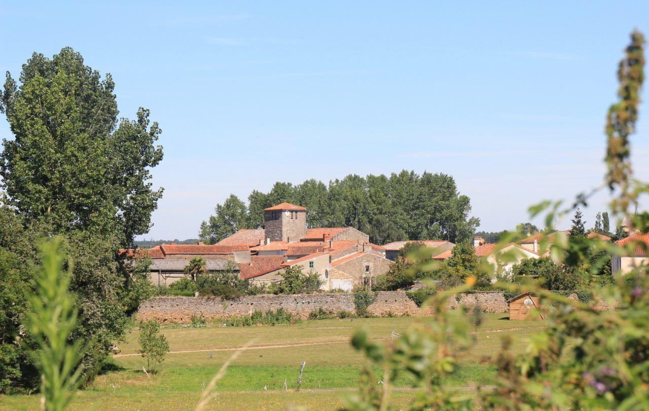 Saint Cyr des Gats (1)
